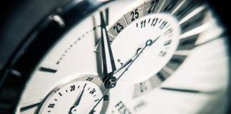 Zegar atomowy – co to tak właściwie jest?