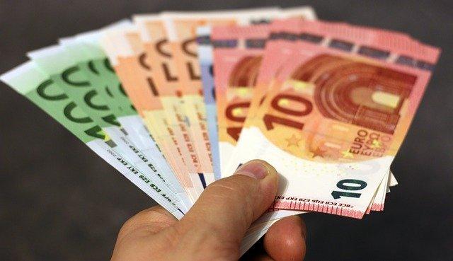 Kredyt gotówkowy online bez wychodzenia z domu